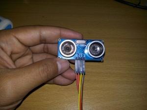Pemasangan kabel jumper pada HC-SR05